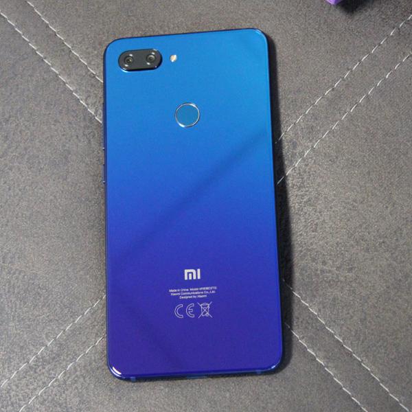 Xiaomi Mi 8 Lite 6/128Гб Синий/Blue