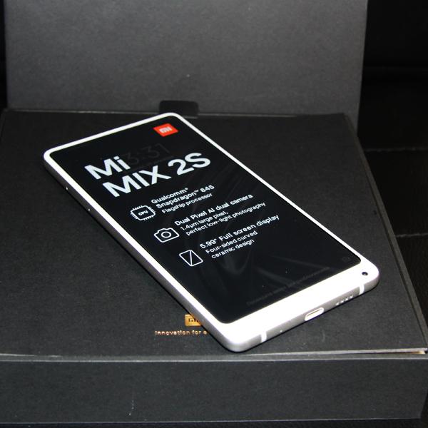 Xiaomi Mi Mix 2S 6/128Гб Белый/White