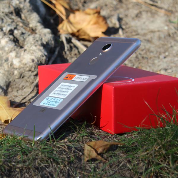 Xiaomi Redmi 5 3/32Гб Золотой/Gold